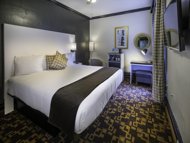 King Bed Room at the Adante Hotel