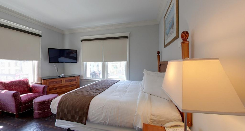 Warfield Hotel Guestrooms