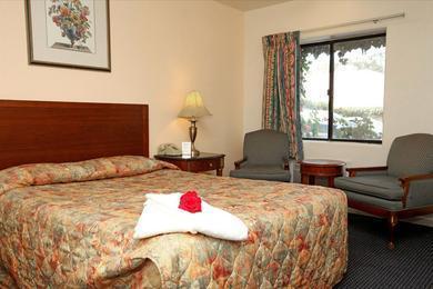 Monterey Oceanside Inn
