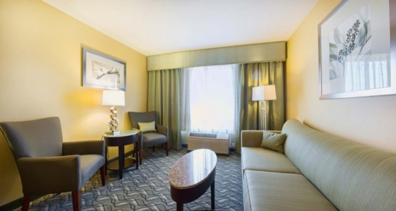 Junior Suite in Morgan Hill Hotels