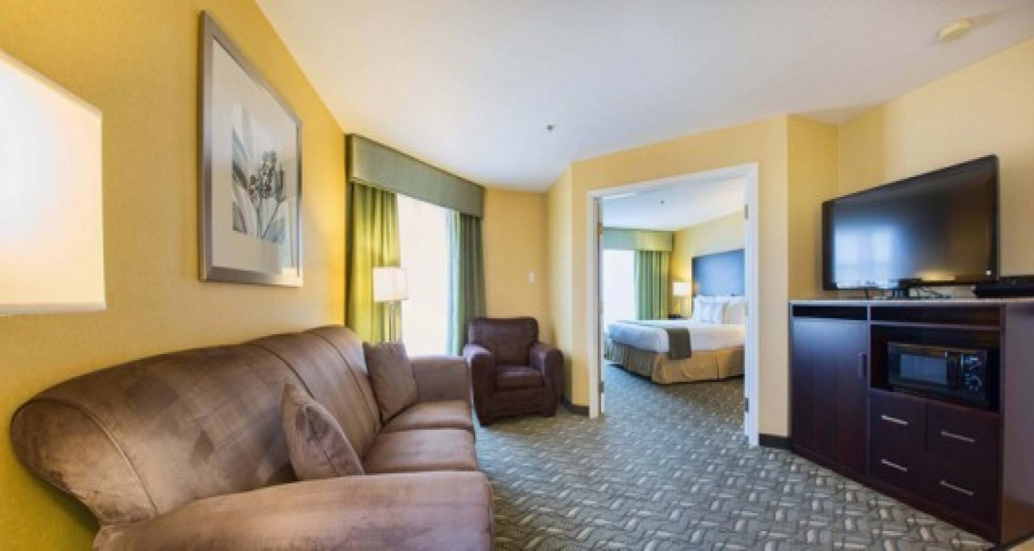 Master Suite in Morgan Hill Hotels