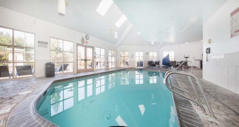 Indoor Pool in Morgan Hill Hotels