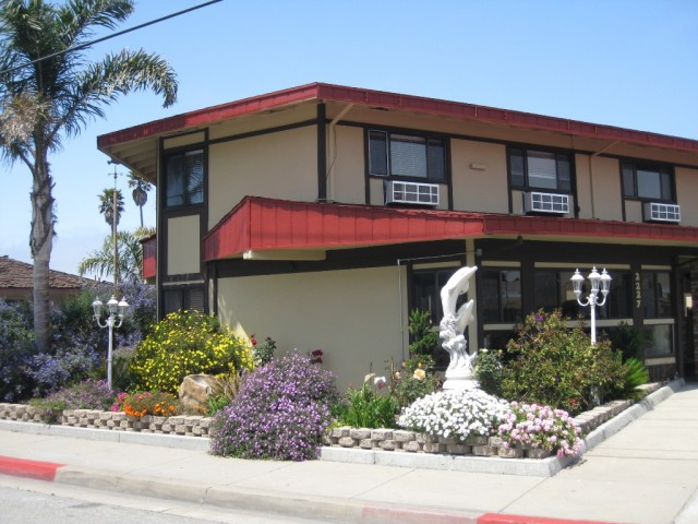 Red Roof Inn Monterey offers spacious accommodations