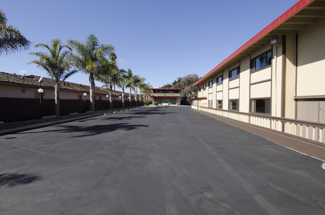 Ample parking for RVs and buses at the Red Roof Inn Monterey
