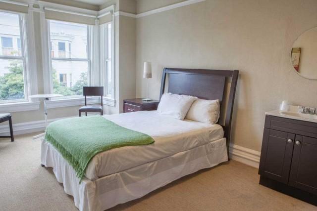 Superior Room Double Bed - Casa Loma Hotel