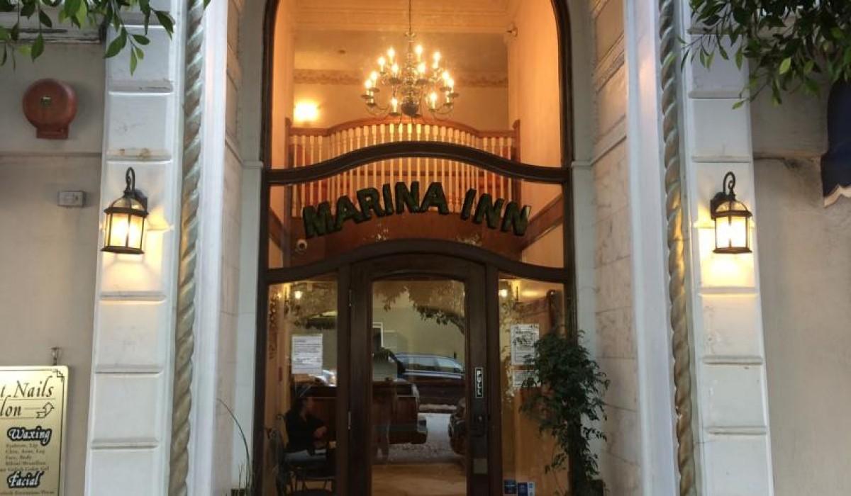 Marina Inn Entrance Welcomes SF Travelers