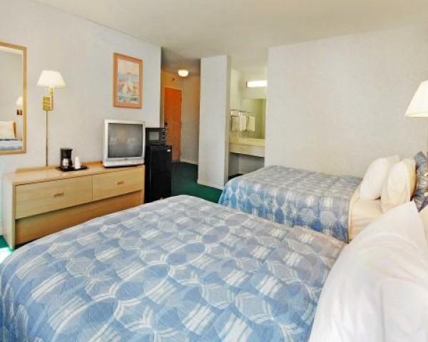 Spacious family rooms at Rodeway Inn SF