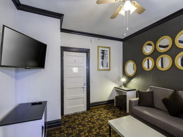Adante Hotel San Francisco - King Suite Sitting Area