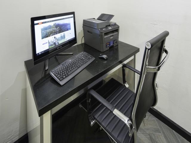 Adante Hotel San Francisco - Guest Use Computer