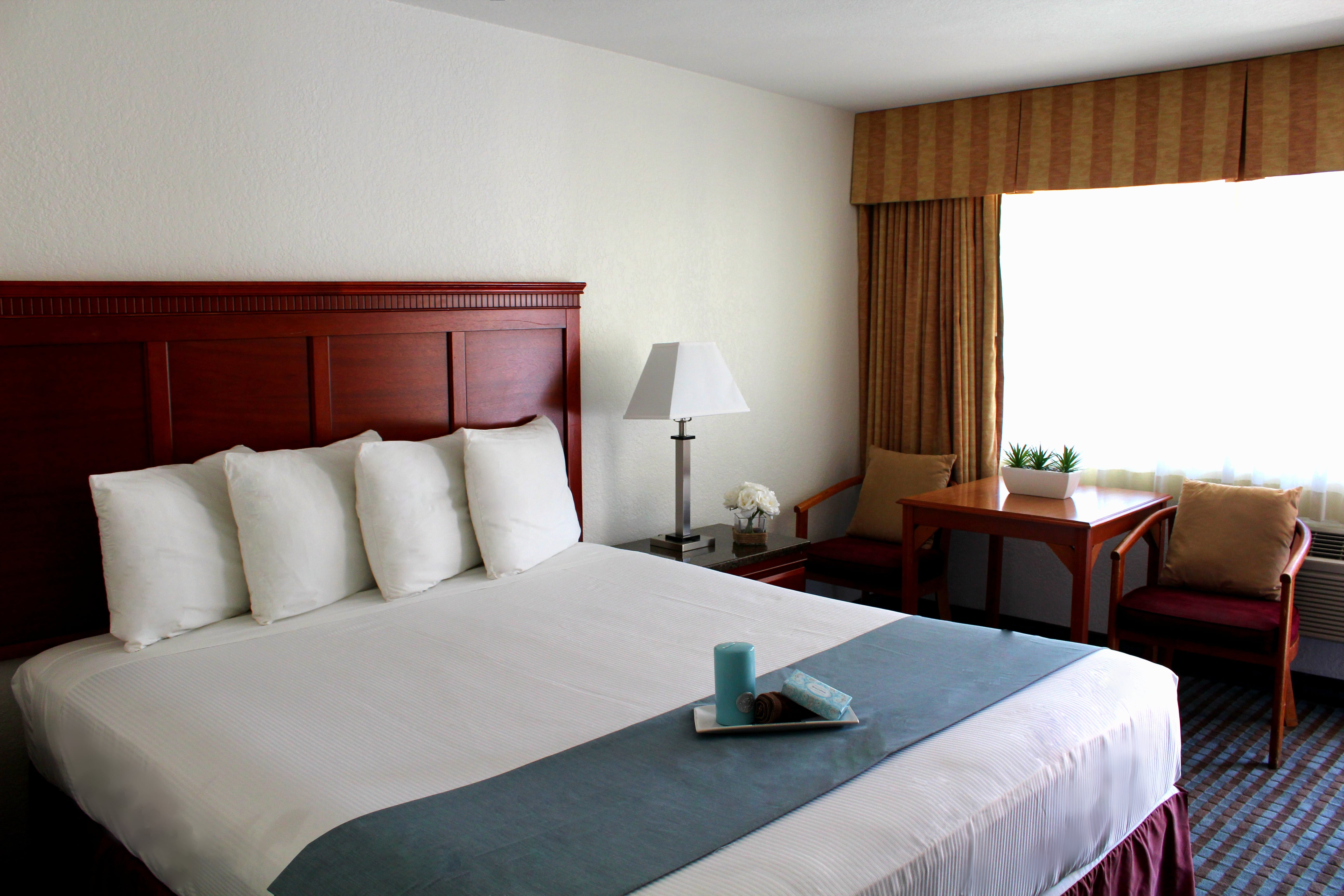 Pacific inn hotel and suites san diego ca hotel hotel - Hotels in san diego with 2 bedroom suites ...