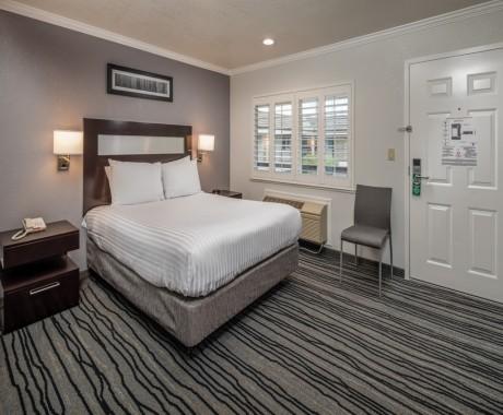 Standard Queen Bedroom
