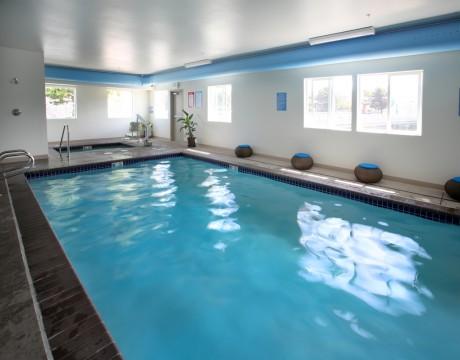 River Inn Hotel in Seaside, Oregon - Indoor Swimming Pool