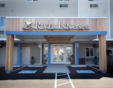River Inn Hotel in Seaside, Oregon - River Inn Main Entrance