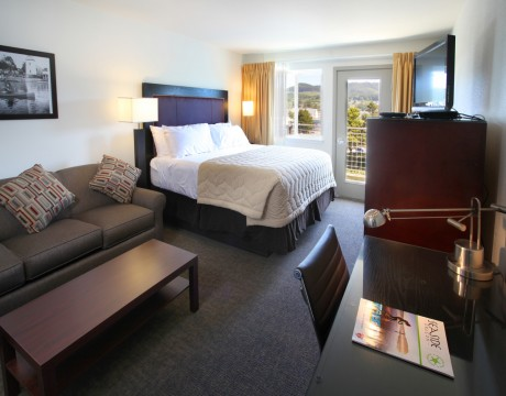 River Inn Hotel in Seaside, Oregon - King Room with River View and Private Deck