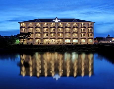 River Inn Hotel in Seaside, Oregon - River Inn at Seaside at Sunset