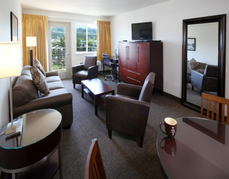 River Inn Hotel in Seaside, Oregon - Living Room with table and Chairs in our Suite