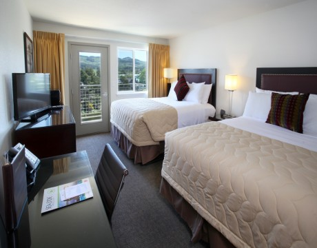 River Inn Hotel in Seaside, Oregon - Two Queen Room with View and Private Deck