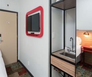 Minna Hotel SF - Flat Screen Television