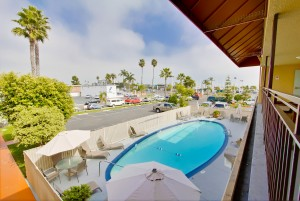 Ramada San Diego Airport - Pool and Sundeck at Ramada San Diego Airport