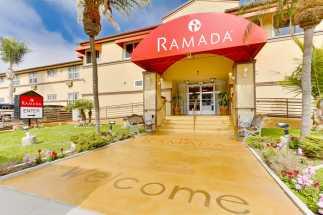 Ramada San Diego Airport - Hotel Entrance