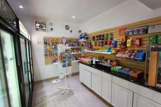 Ramada San Diego Airport - Gift Shop