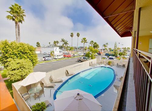Ramada San Diego Airport - Outdoor Pool