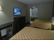 Deluxe Inn & Suites | York City